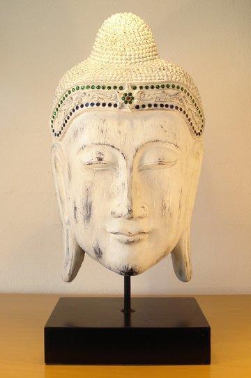 buddha hoved på fod